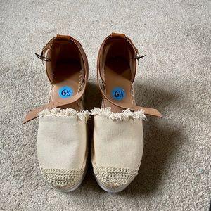 Soooo cute Nautical sandals